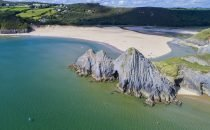 Three Cliffs Bay © Visit Swansea Bay / Swansea Council
